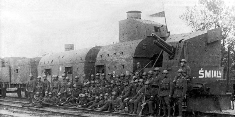 Polish armoured train Smialy